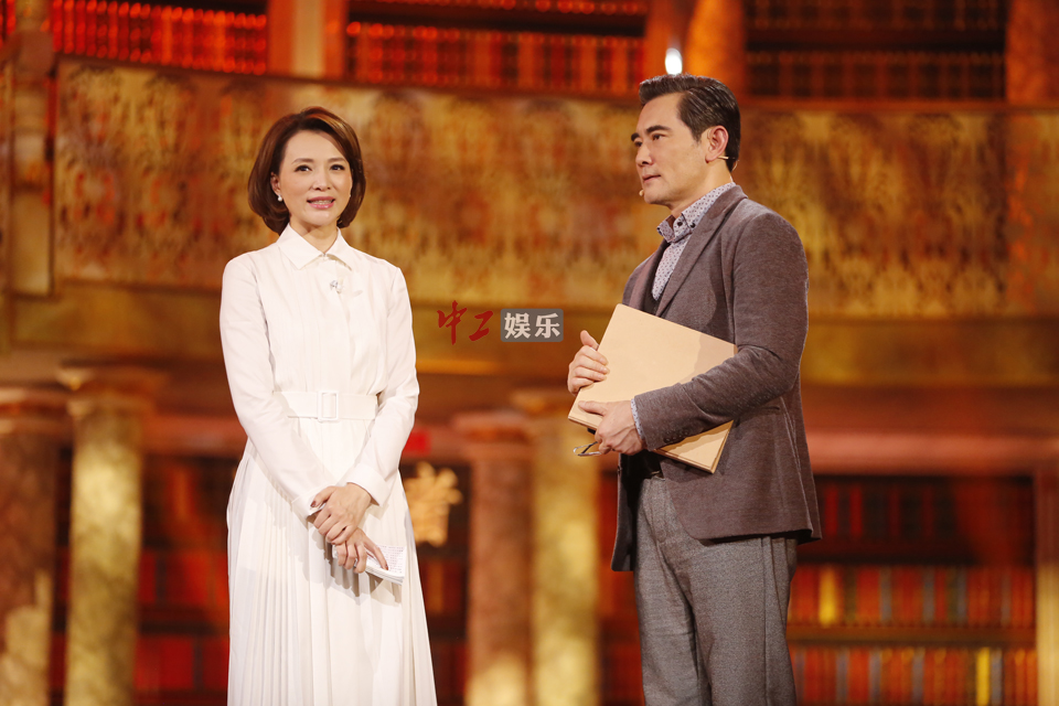 赵文瑄表示,其实自己小时候就在父亲的逼迫下养成了朗读的习惯,每天