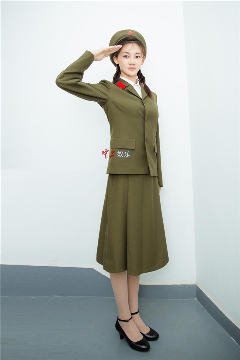 《芳华》女主角苗苗 军装帅气亮相 - 1505147909 - 太阳的博客