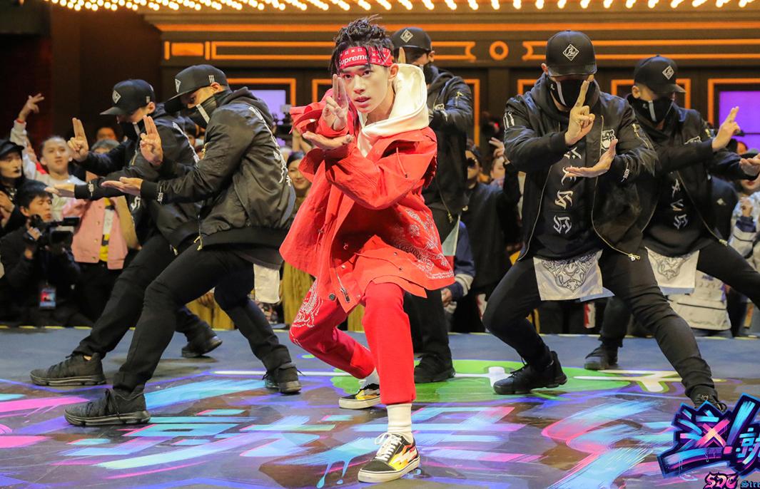 四代舞王同台battle 《这!就是街舞》队长大秀照曝光