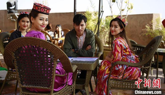 电影《喀什古丽》结束新疆拍摄:景美、人更美 让全国观众通过这部电影爱上新疆